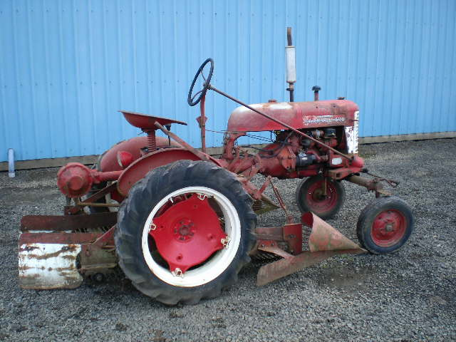 Farmall Cub With Onion puller